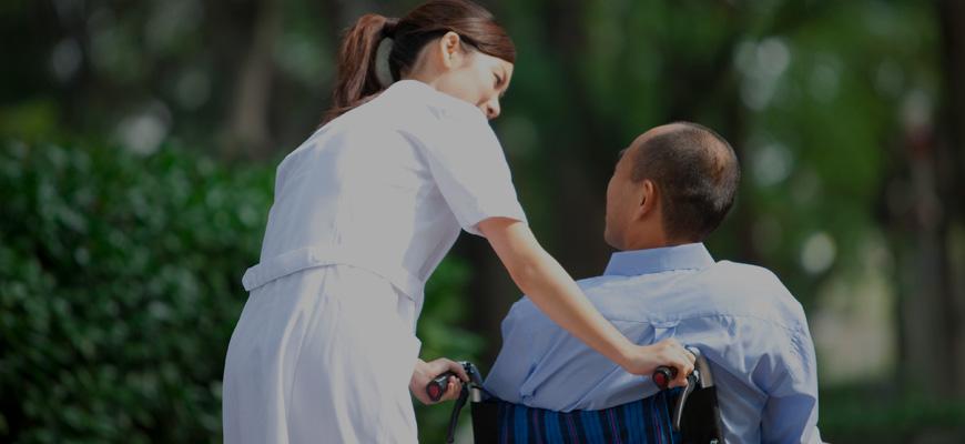 Enfermeros e ingenieros, los profesionales españoles más solicitados a nivel internacional