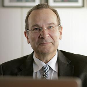 José María Vázquez García-Peñuela - Rector de la Universidad Internacional de La Rioja. Catedrático de Derecho Canónico y Derecho Eclesiástico del Estado de la Universidad de Almería (en excedencia)